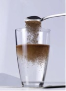 Instantisation of beverage powders to improve dissolution