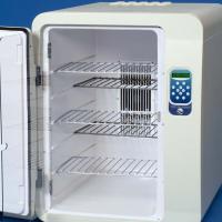 Vibration-free chilling/heating incubators